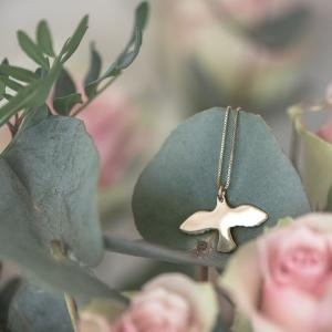 Golden small dove necklace - Emma Israelsson